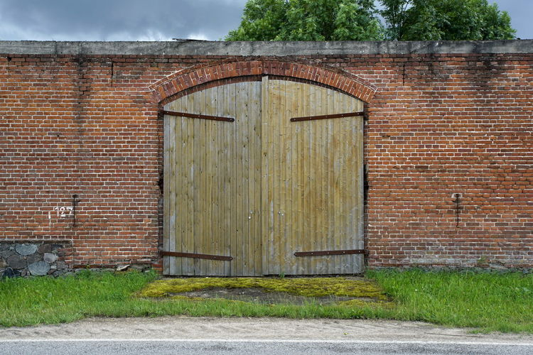 Architecture Barn Building Exterior Built Structure Closed Day Door No People Outdoors