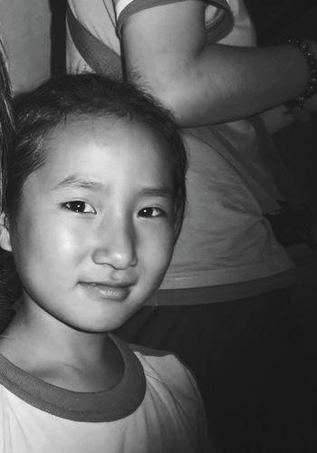Niña Corea Norte Hello World Hi! Blackandwhite Photography Monochrome Blackandwhitephotography Hello World Asian Culture Asian  Asian Eyes