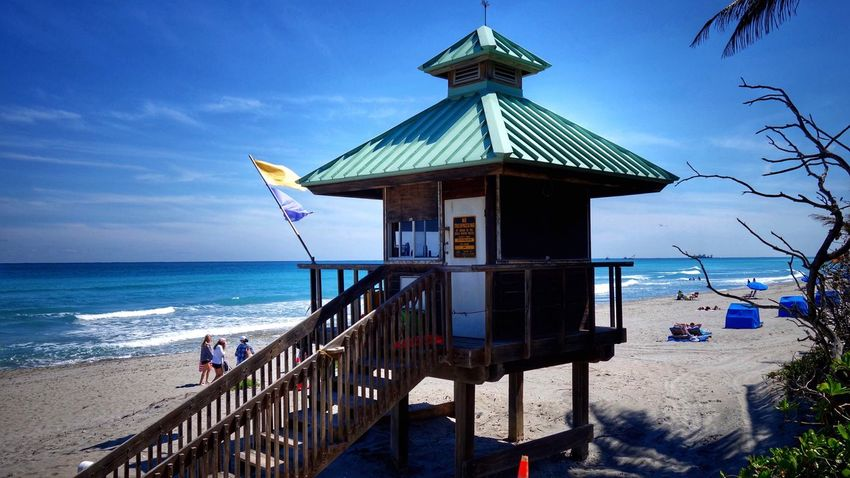 Sea Beach Water Horizon Over Water Built Structure Lifeguard  Sky Outdoors Architecture Nature Beauty In Nature Beach Goers Day Lifeguard Hut Blue Sky