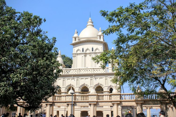 The temple that inspires Architectural Column Architecture Blue Built Structure Dome No People Outdoors Sky Temple Travel Destinations Vivekananda