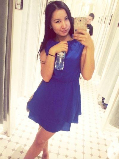 чем можно заняться , когда подруга в примерочной + зеркало в полный рост))) Selfie Shopping Enjoying Life Dress