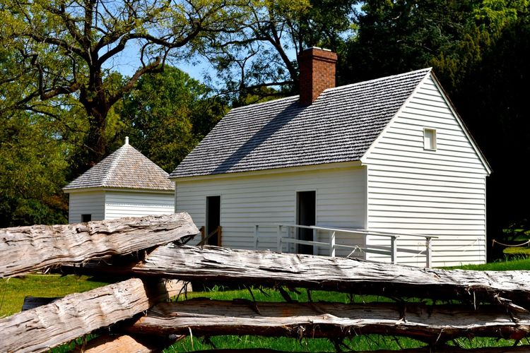 Farm Life Historical Building Slave Quarters Slavery Architecture Building Exterior Built Structure Day Farm Building Farm Buildings Historic Historical Place House Log Nature No People Outdoors Roof Tree Wood - Material