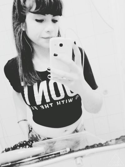 Kisses ♥ That's Me Good Night ✌ Music Time Muack:* Photo♡ Black & White Relaxing Lovelovelove∞ Don't Worry, Be Happy♡