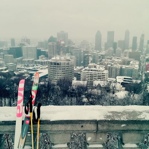 At the top of the city, with my ski Grey And Foggy Grey And White Grey Sky Contrasting Colors Montreal, Canada Montrealcity Fog Montroyal Montréal Parcdumontroyal Vumontroyale Montroyalpark Ski Winter Almost Unedited Almost Newyearseve