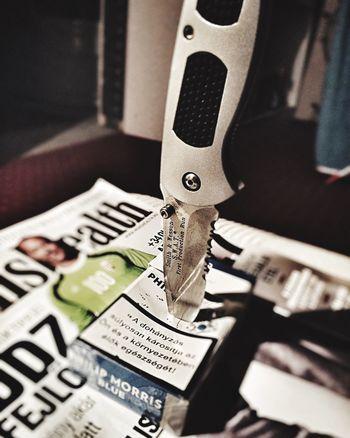 Showcase: January Stopsmoking Stop Smoke Knife SmithAndWesson