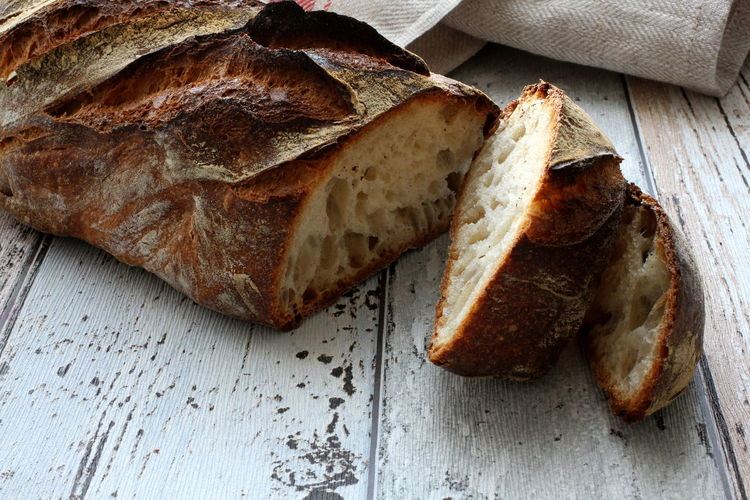 Breakfast Crusty Bread Loaf Of Bread Natural Rustic Snack Bread Brown Close-up Cursty Day Food Food And Drink Freshness Healthy Healthy Eating Healthy Food Indoors  Loaf No People Organic Organic Food Ready-to-eat SLICE Slice Of Breat
