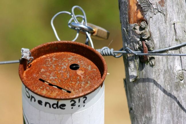 Spardose Rost Rosty Spende Money Rosty Bell No People Day Close-up Outdoors