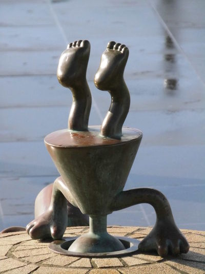 Art Art And Craft Balance Beelden Aan Zee Close-up Creativity Light And Shadow Metal Part Of Sculpture