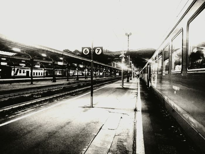 Black and white composition pict Public Transportation Blackandwhite Black&white Blackandwhite Photography Black And White Photography Fineart Composition First Eyeem Photo