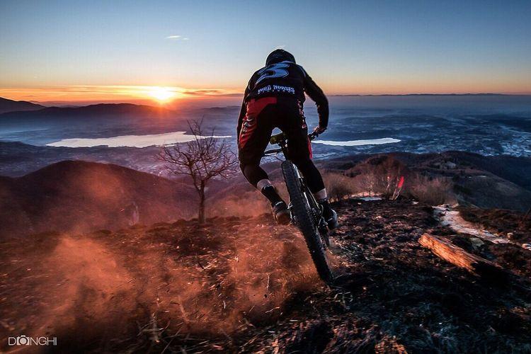 Mountain Bike MTB Biking Enduromtb Sports Photography Actionphotography Extreme Sports Scenics Nature Landscape Como Lake Italy🇮🇹 Sonyalpha A77ii Montebolettone Sunrise Burn