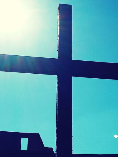 Cross in Roman