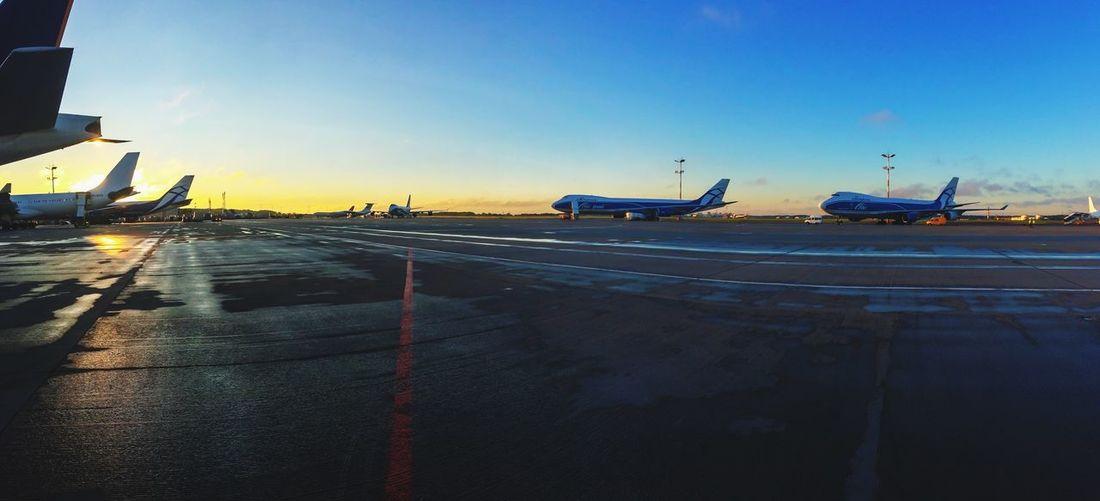 Airport Boeing