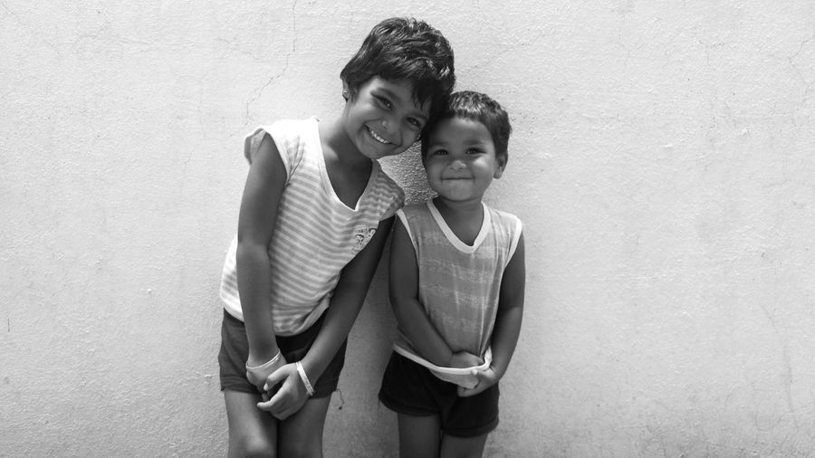 Eyeemphoto Taking Photos Check This Out Hello World Cheese! Hi! Mobile Photography Sisters Two Girls Kids Photography Monochrome Blackandwhite Black And White Photography Black & White Black And White Smiling :) Smiling Faces Smiling Girls Smile ✌ Black And White Friday Press For Progress This Is Family