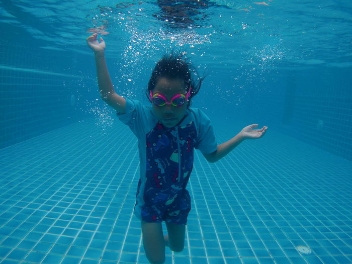 Water Child Swimming Portrait Swimming Pool Childhood Underwater Girls Smiling Learning Swimming Goggles