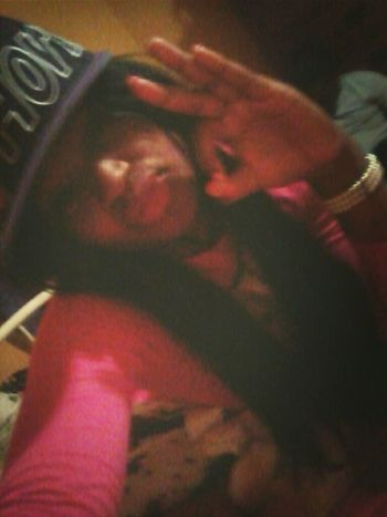 ", I bes thugging it bbt"" his hat doee"