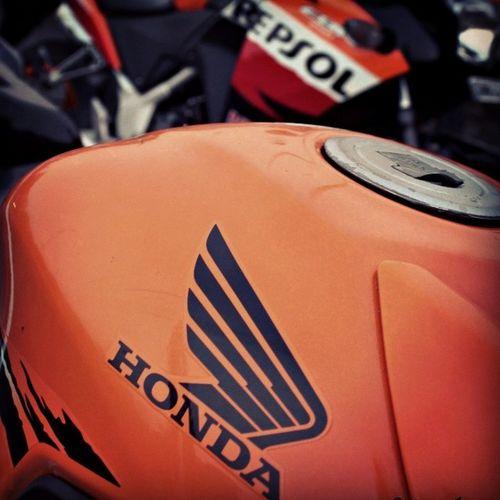 Winged Bikes... ;) Honda Cbr250r Repsol Tank Orange HRC Ride Donsofdefiance Bike_riders_mumbai BBC Rideforacause