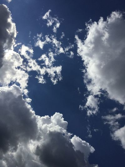 No Filter Nature Clouds Sun White Bright Pure Pretty Beautiful Wispy Clouds Fluffy Check This Out Taking Photos Sky Lookingup