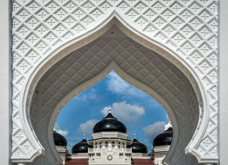 Baiturrahman Grand Mosque is a Mosque located in the center of Banda Aceh city, Aceh Province, Indonesia Built in 1879. Aceh, Indonesia Arch Architecture Baiturrahman Built Structure Dome History INDONESIA Indonesia Scenery Indonesia_allshots Indonesia_photography Indonesian Indonesian Photographers Collection Masjid Mesjid Mesjidraya Mosque Mosque Architecture Mosque Photography Mosques Mosques Of The World Nanggroe Aceh Darussalam No People Place Of Worship Travel Destinations