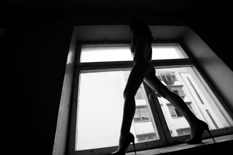Amazing Woman Beautiful Legs Blackandwhite Day Great Woman Indoors  Legs Long Legs Nude_body Nudeartphotography Nudeblackandwhite Nudelife Nudeshoot Nudewomen Nüde Art. One Person People Window Women