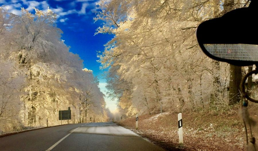 Winterlandschaft ❄️ zum Träumen Car Point Of View Car Interior Car Point Of View Streetphotography Winter Wonderland The Way Forward Road Transportation Outdoors Day No People Nature Sky Shades Of Winter