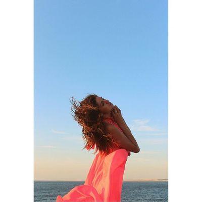 """""""А там на небе лишь о том и говорят,какие там рассветы,какой закат"""" севастополь2014 красота Sea Blacksea черноеморе веселье beautiful girl InstaSize Daria me фотосессия fotosession followme likeforlike look like life отдых sweet"""