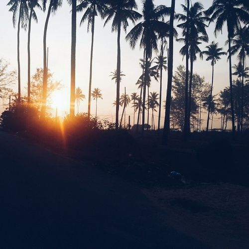 I miss the sunrise @ husna's house!!!! Oh my god so beautiful... subhanallah. Miss our moments @mirasu92 , @fanaamin & uchena. Love. Sunrise Surahujung Dungun Malaysia