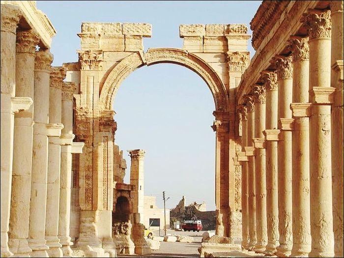 Tadmor Syria  2012 Palmyra Qalupatra