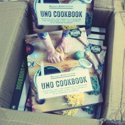 il libro di ricette vegan UNO COOKBOOK disponibile su www.chiaralascura.it o direttamente in via Pescara 11 ad Olbia Vegan Ricettevegan Libro Ricette
