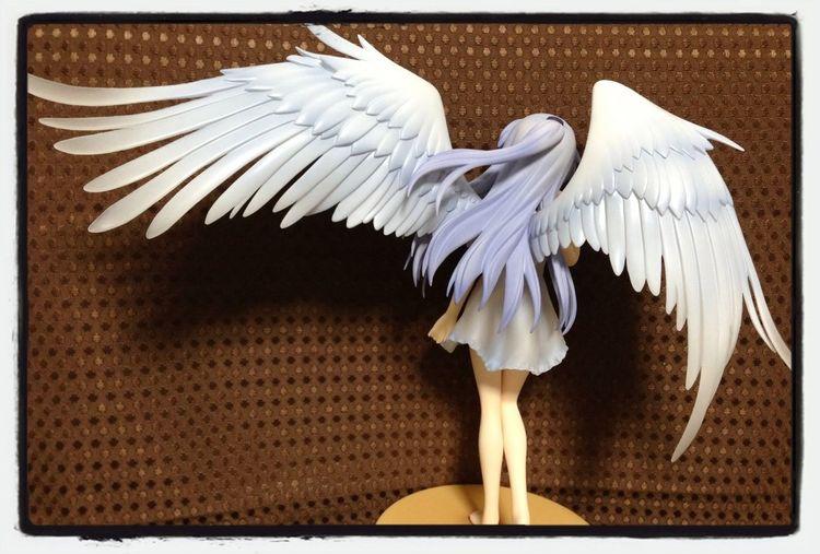 天使さんの真骨頂はやはりこの美しい翼の造形。うっとりするぜ…!
