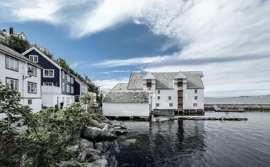 Old Harbour in Ålesund. Old Warehouse Norway Architecture Building House Norwegianhouses Peaceful Place Stadtlander Water Waterfront Ålesund, Norway Ålesundkommune