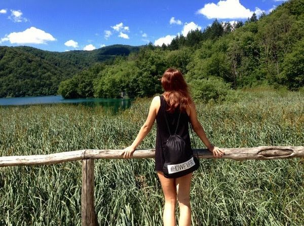 Think Nature Beauty In Nature Tree Trees Sky Cloud - Sky Clouds And Sky Cloud Croatia Plitvice Lakes National Park Plitvice National Park Mountain Water Lake Lake View Landscape One Person Young Women Women Real People Travel Trip View Summer Young Adult