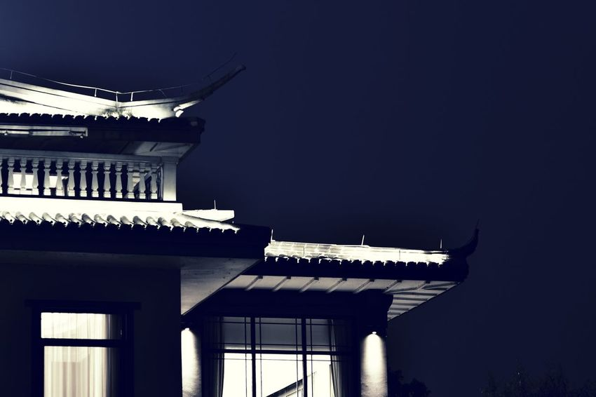 EyeEm Best Shots Eyeem4photography EyeEm Gallery Beauty In Nature China Beauty Architectural Column City Sky Architecture Building Exterior Built Structure Historic Roof Rooftop Tiled Roof