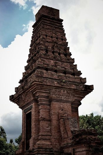 bajang ratu Tempel Majapahit INDONESIA Old Buildings Architecture Old Ruin History Pagoda Travel Destinations Built Structure Religion Cloud - Sky Travel Ancient Outdoors Statue Spirituality Day No People Sky