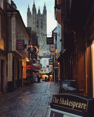 Vicoli Canterbury Alley Cathedral Lowlight Winter Vicoli Composition Evening Walking Alleyart AlleyShots Alley Bar Alleyways Alleyway Street Streetart Pub