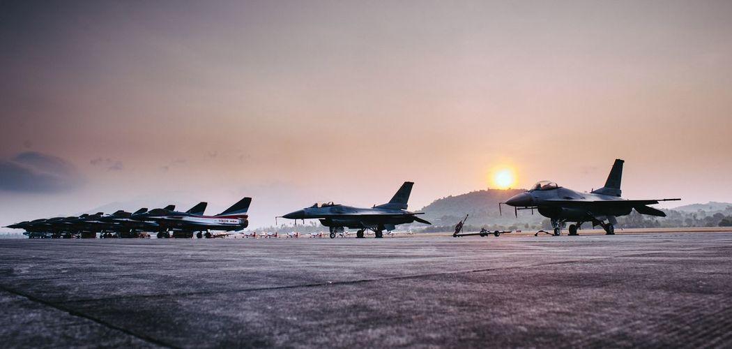 Chengdu J10 J10 F10 Vanguard F16 Langkawi Lima2015 Sunrise_sunsets_aroundworld Sunrise Silhouette The Photojournalist - 2015 EyeEm Awards Summer Views