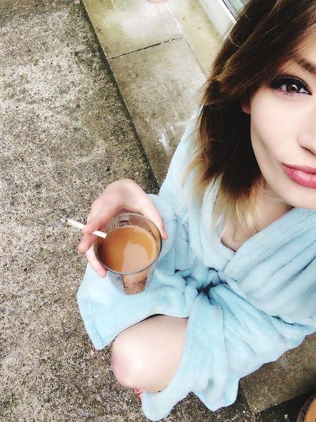 Goodmorning Tea Rollies(; Smoke Blonde Hazel Eyes  That's Me Selfie ✌ Girl