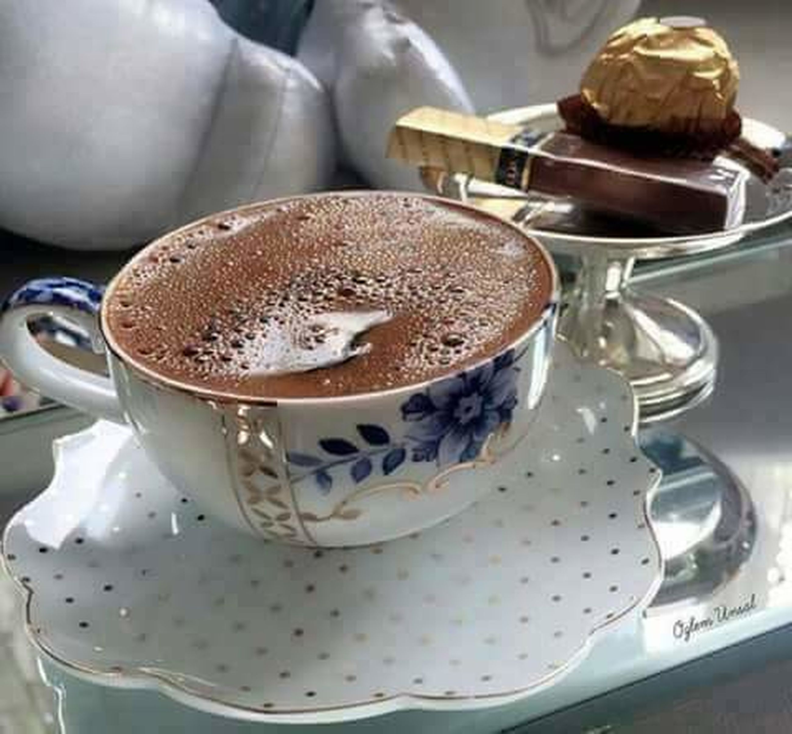 coffee cup, cup, coffee - drink, food and drink, saucer, close-up, hot chocolate, indoors, drink, no people, cappuccino, frothy drink, food, freshness, day, mocha