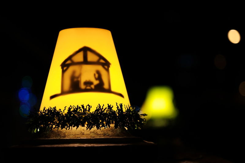 Christmas light Christmas Light Chrismas Lights Christmas Decoration Close-up Illuminated Lamp Light And Shadow Night No People Outdoors Yellow