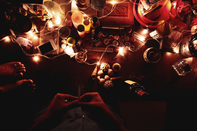 trinkets from my table Fairy Lights From Above  Aesthetic Moody Shadows Shells Wine Indoor Bedroom Bedroom Aesthetic Bedroom Decor Home Decor Lights Celebration Christmas Lights Christmas Market Christmas Christmas Decoration