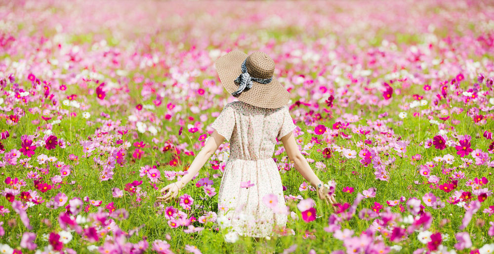 Beauty In Nature Close-up Day Field Flower Flower Head Fragility Freshness Growth Nature One Person Outdoors People Pink Color Plant Let's Go. Together.