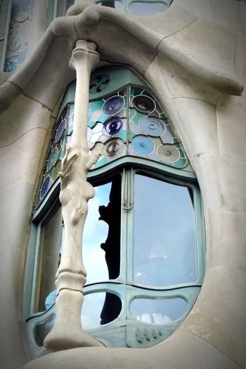 Window Day Architecture Building Exterior Streetphotography Architecture Turistic Places City Travel Walking Around City Life Gaudi Batllò Travel Destinations Barcelona Lifestyle SPAIN Architecturephotography Close-up Colorful