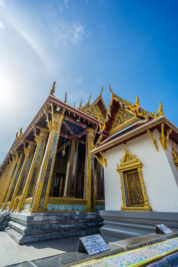 Wat phra kaew  is regarded as the most important buddhist temple in thailand.