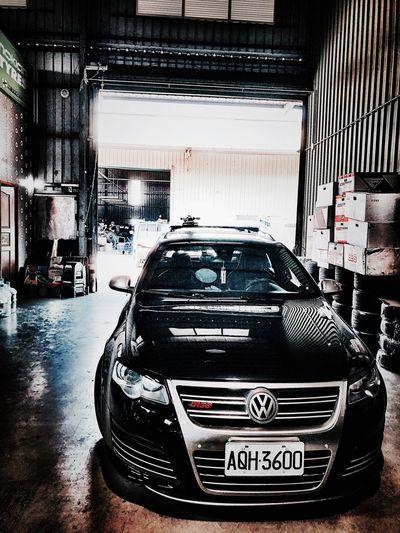 R36 Passat Volkswagen Mode Of Transportation Transportation Motor Vehicle Car Land Vehicle City Architecture No People Rear View Parking