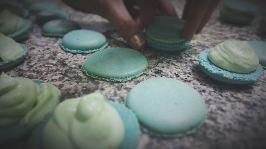 Mojito cream macaron ....yummmmm Taking Classes Yummy♡ Macarons Cute♡ Baking Time