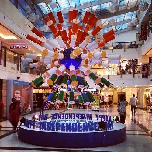 Happy independence day India 15thaugust Delhi Dlfsaket Selectcitywalk Saket Independenceday Celebrationday Celeberation Kites Party Enjoy Food Goodmorning