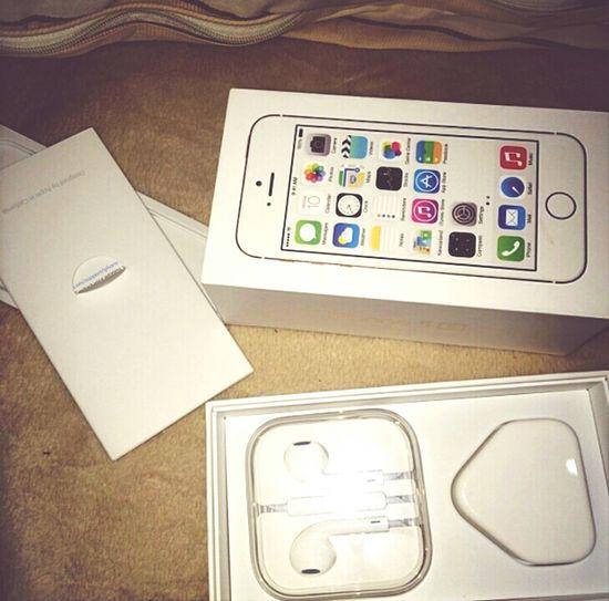 Yuhuuu iPhone 5s thx u mama. love u :** That's Me