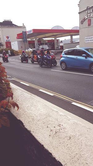 TT Races Isle Of Man Superbike Racing Enjoying Life ♥ All Bikers Racing Or Not Coming Via Ramsey