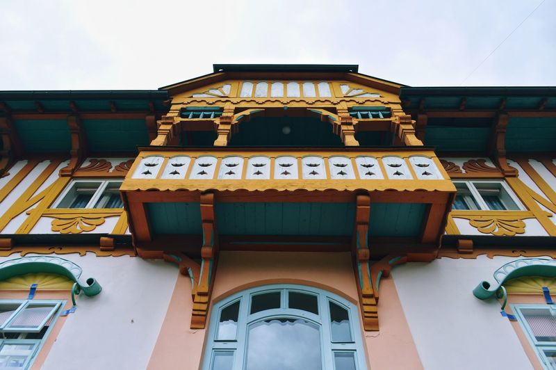 Ornaments Balcony Balcony View Urban Urbanphotography Architecture_collection Architectural Feature Architectural Detail Architecturelovers EyeEm Selects City Clock Façade Architecture Building Exterior Built Structure Historic Architectural Design Architecture And Art Building The Architect - 2018 EyeEm Awards