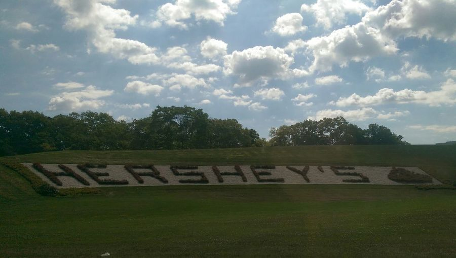 More Hershey pics😊 Hershey Hersheyskisses Sweetest Place On Earth Blue Sky