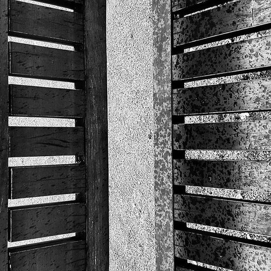 Parkbench Badday Igersportugal Portugaldenorteasul Monochrome Monocromatico Monochromatic Blackandwhite Pretoebranco Textures Texturas RandomStuff Chuva Art Arte Conceptualphotography Photo Picoftheday Photooftheday Myview Strangeart Uncommonart